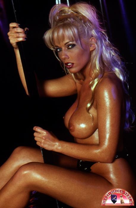 Kelly Trump Nude 60