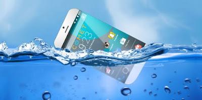 Cara Mengatasi Android yang Terendam Air