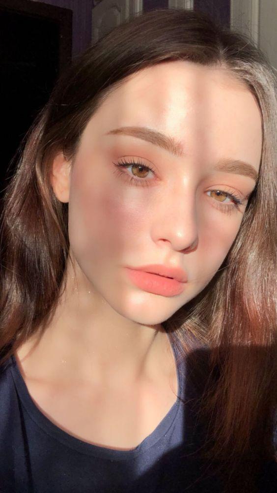 dasha taran no makeup