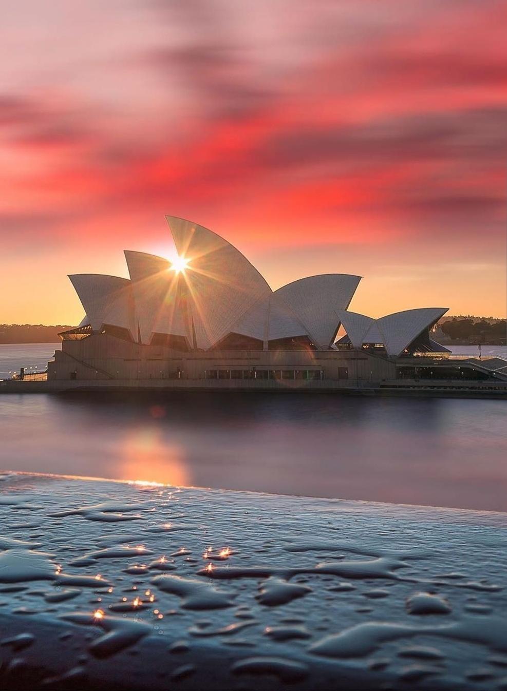 The Sydney Opera House mobile wallpaper