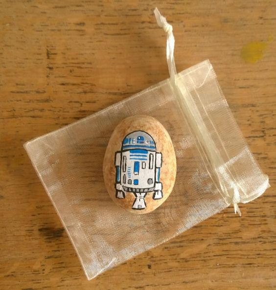 Star Wars rock painting ideas for stones - R2D2 on a painted rock