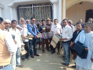 समाज सेवियों ने एक हजार जरूरतमंदो को दिए कंबल | #NayaSaberaNetwork
