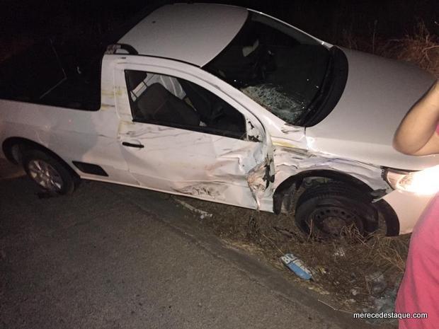 Acidente entre carro e moto deixa pai e filha feridos na PE-160, entre Santa Cruz e Poço Fundo