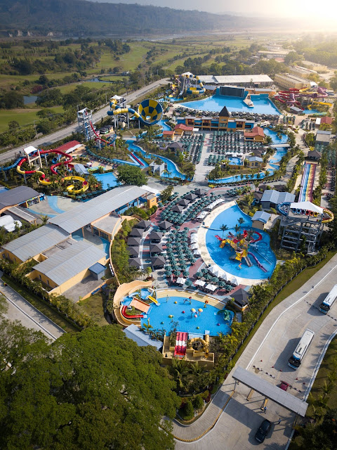 AQUA PLANET ENTRANCE FEE TICKET PRICES REVIEW EXPERIENCE TRAVEL BLOG