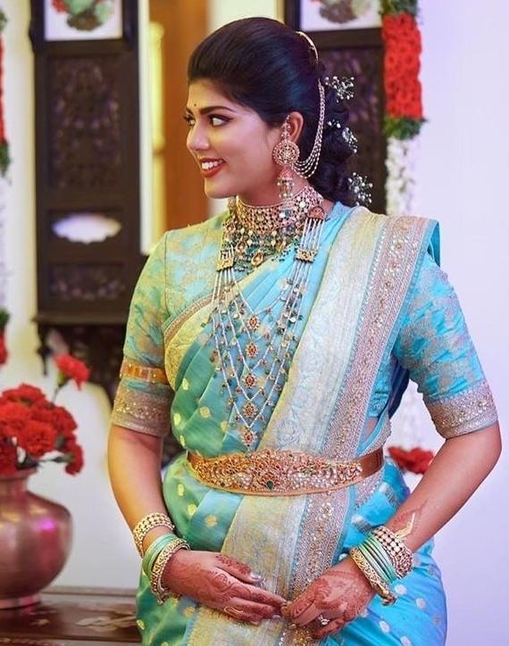 Bride in Panchalada Haram Jhumkas