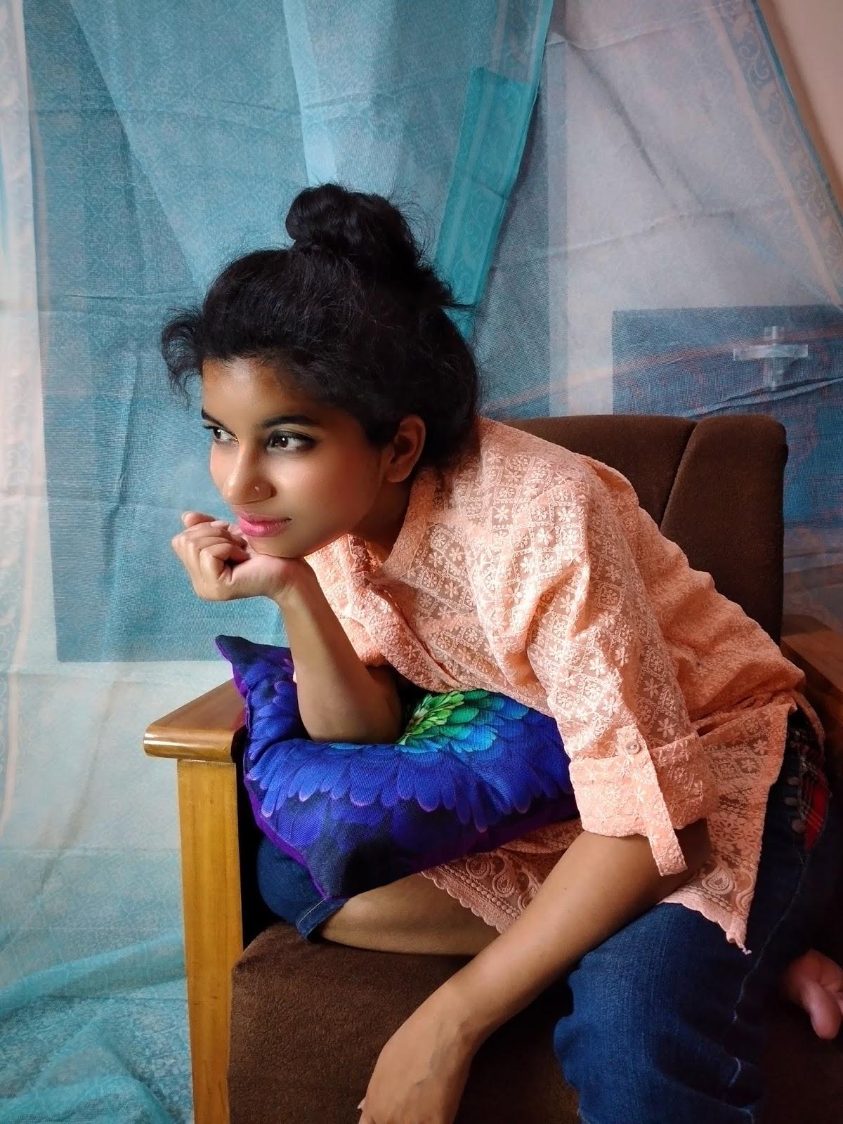 How to dress up Chikan Work Kurti, simple, elegant look, pretty, minimal