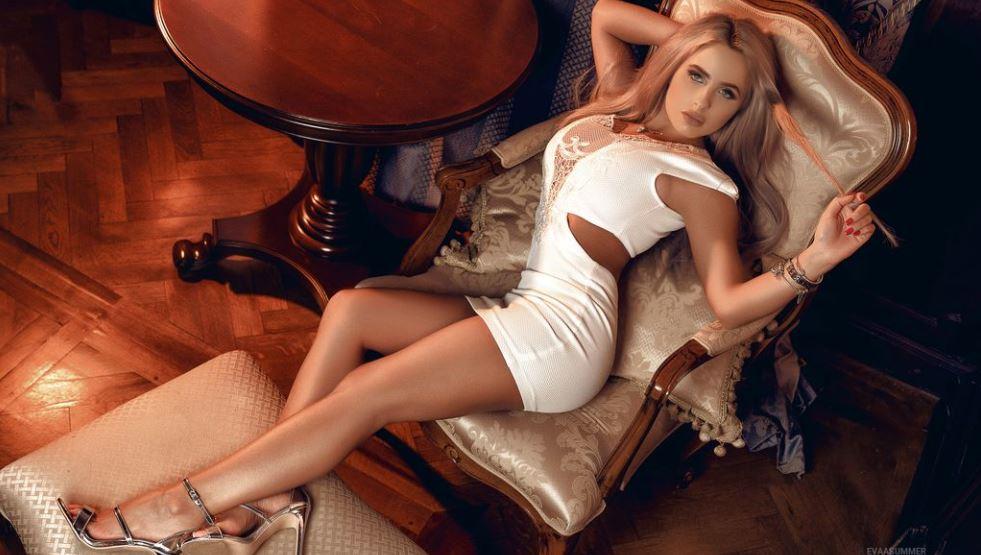 EvaaSummer Model GlamourCams