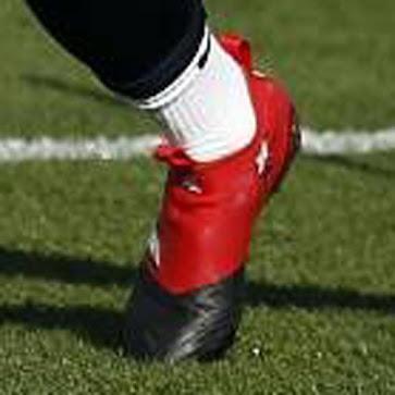 Rakitic und Suárez präsentieren unveröffentlichte Adidas Ace