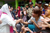 Ibu Negara Iriana Jokowi Tinjau Terdampak Banjir di Tangerang