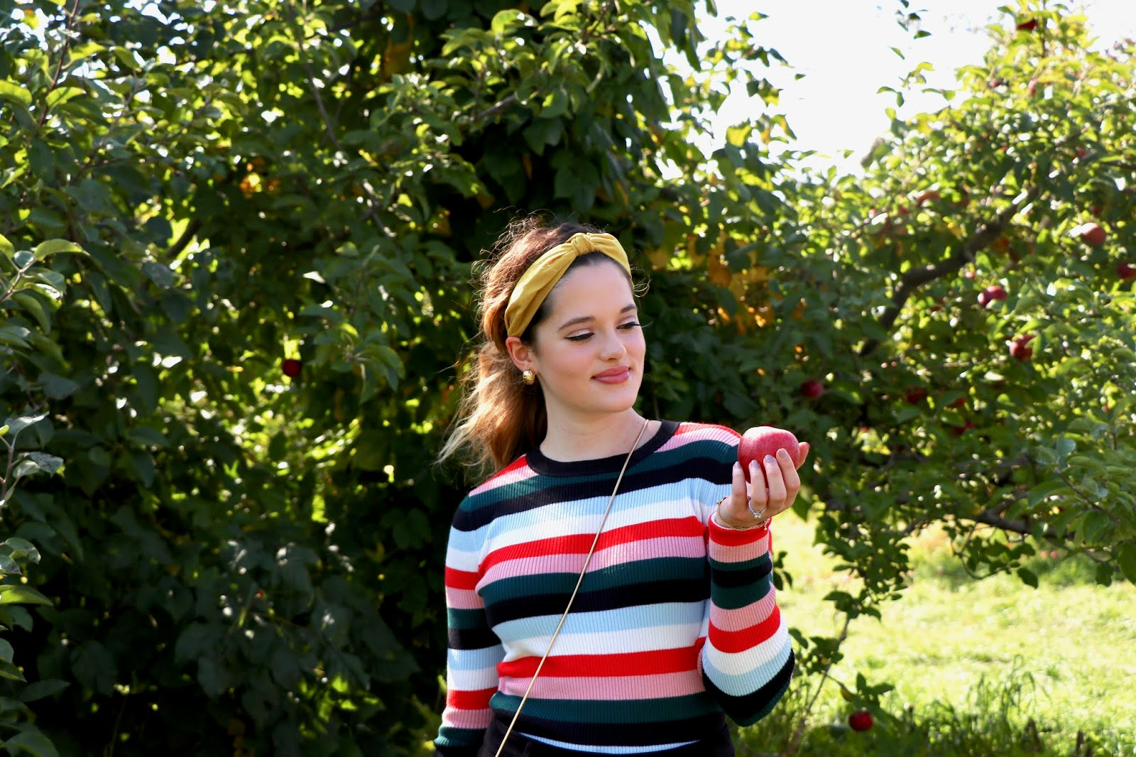 Nyc fashion blogger Kathleen Harper's fall apple picking outfit.
