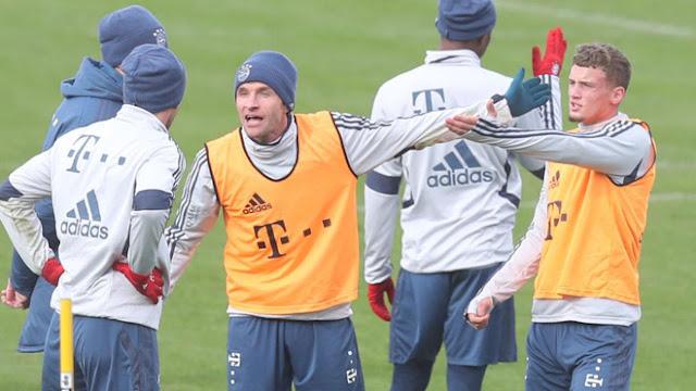 Sốc trên sân tập Bayern Munich: 2 SAO choảng nhau như võ sĩ 2