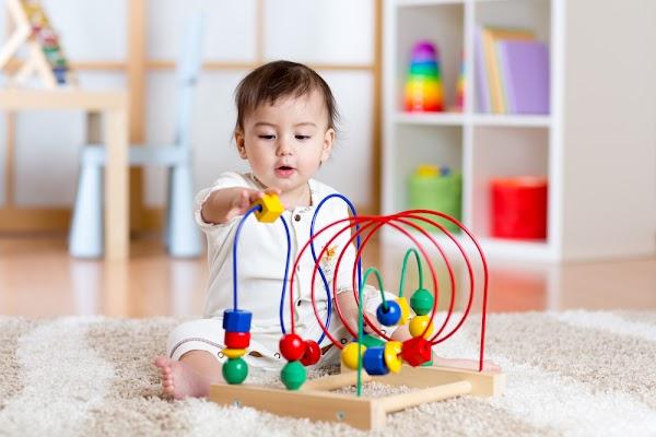 Tips Memilih Mainan Bayi