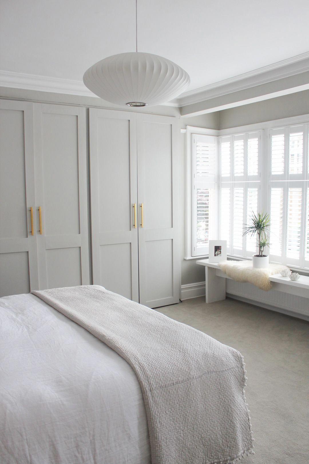 Phòng ngủ có tủ âm tường 10