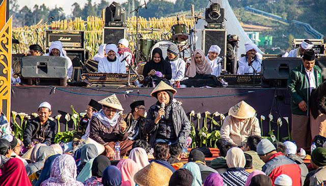 Mas Sabrang atau Noe Letto saat acara Kongkow Budaya DCF 2019