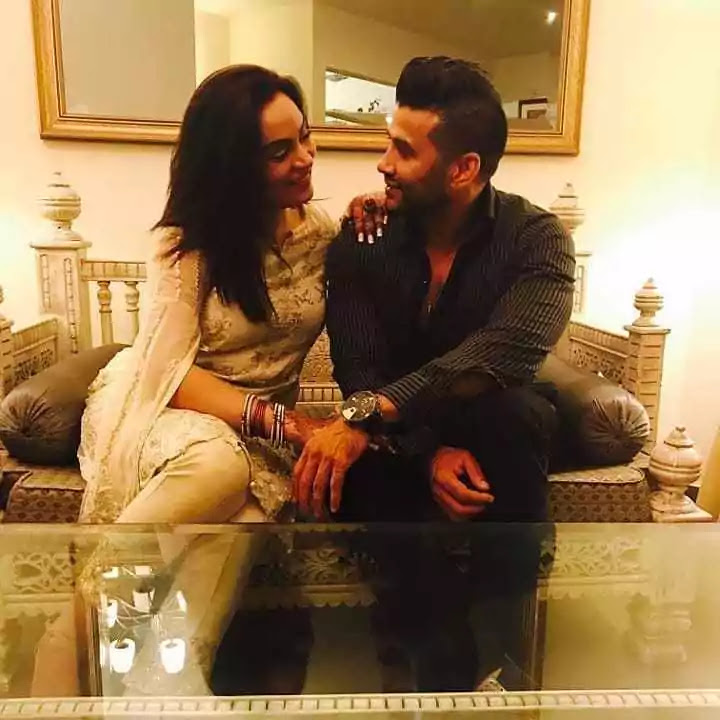 Sadia Imam With Her Husband - Unseen Pictures