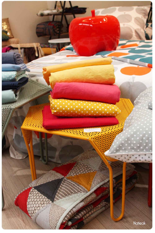 déco  pop art table cigogne Becquet, créateur en linge de maison