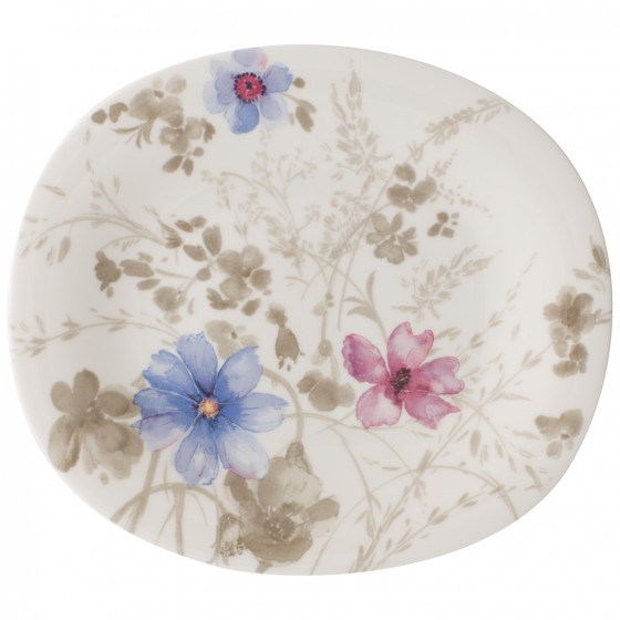 Dishes and Tableware With Flowers 4