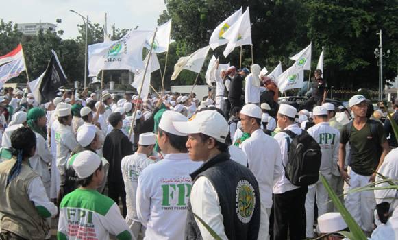 Besok, FPI Akan Demo Unjuk Rasa dengan 5.000 Massa