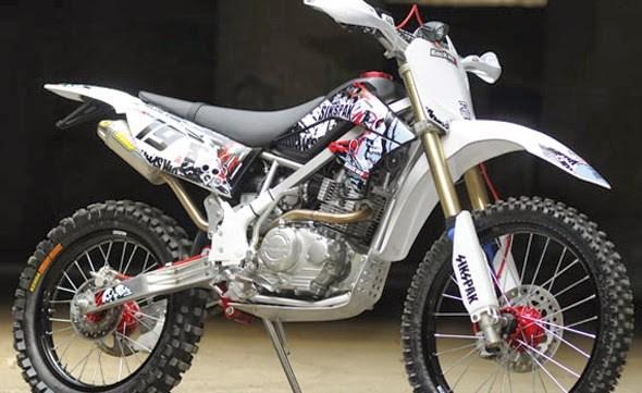 Kelebihan dan Kekurangan Motor Trail Kawasaki KLX 150