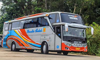 Foto Bus Rosalia Indah Bogor Solo Blitar