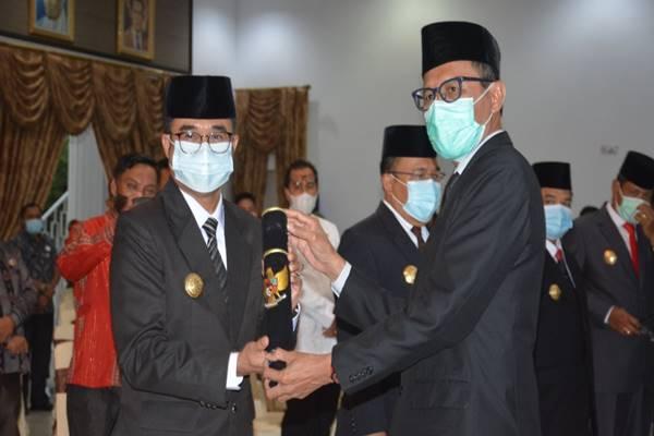Gubernur Sumbar Lantik Delapan Pejabat Sementara Bupati dan Wali Kota, Ini Tugas Khusus Mereka Emban