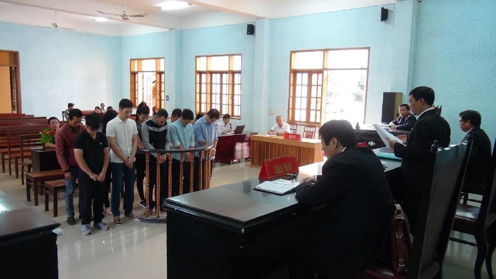 Gia Lai: 210 tháng tù cho các đối tượng bán văn bằng, chứng chỉ giả