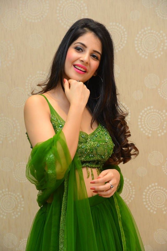 Kashish New Hot Photos