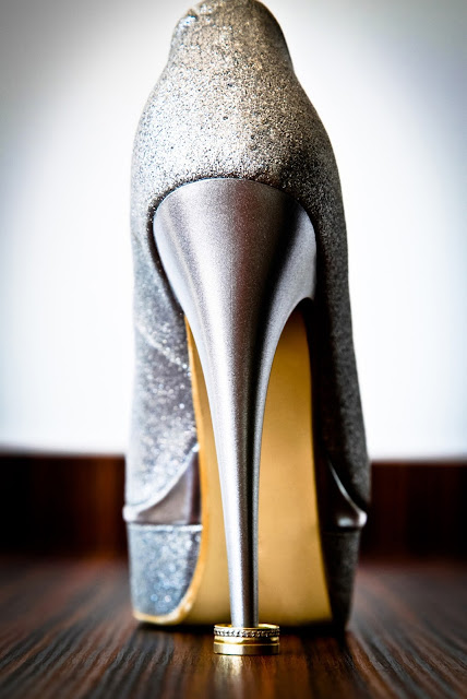 Stiletto with a ring in the heel
