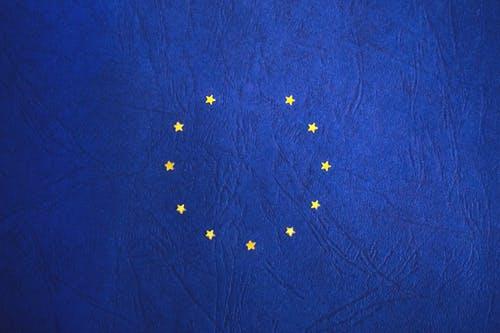 البطاقة الزرقاء الأوروبية - مبادرة لجذب المهاجرين ذوي المهارات العالية إلى أوروبا