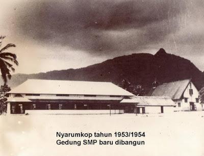 GEDUNG SMP TIMONONG NYARUMKOP SINGKAWANG BARU DIBANGUN
