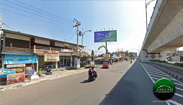 Ruko Tepi Jalan Masuk Terminal Jombor