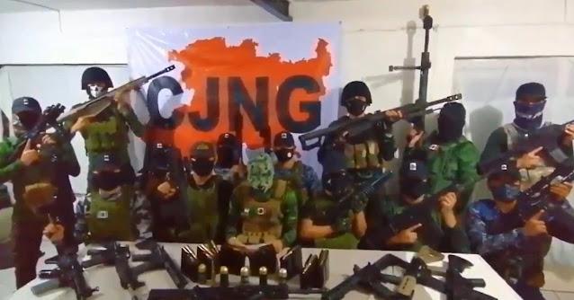 """Video: Mensaje Grupo de Fuerzas Especiales Mencho """"Delta 1"""" nada mas se la pasan amenazando y retando a mi patrón con estas armas y equipo amenazan a C.U."""