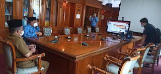 Wakil Gubernur Jambi Menerima Arahan Dengan KemenSetneg Terkait Distribusi Sapi Bantuan Presiden RI Melalui Zoom Meeting.