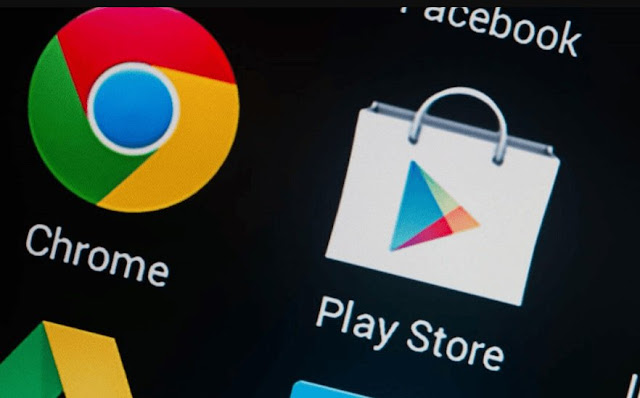 The Google Play Store app will soon get a dark theme toggle.