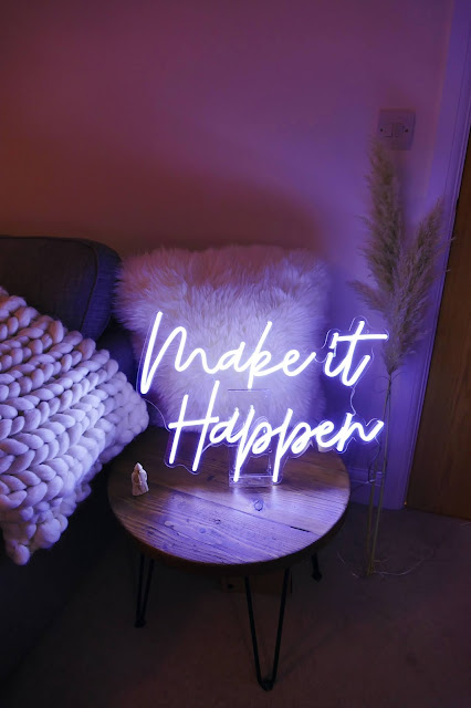 sparkled uk, sparkled, sparkled neon lights review, sparkled uk neon lights, led neon lights uk, best neon lights for your studio, best neon lights bedroom, make it happen neon light, sparkled uk
