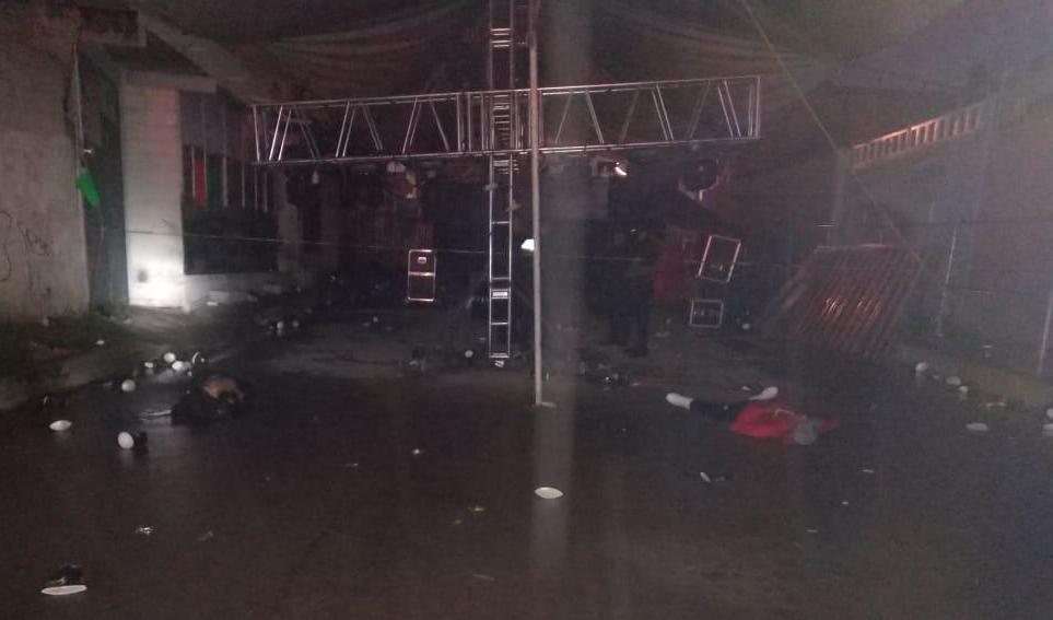 Video; Grupo Armado llega a baile y rafaguea a los asistentes en Amozoc; Puebla, 3 muertos y 6 heridos