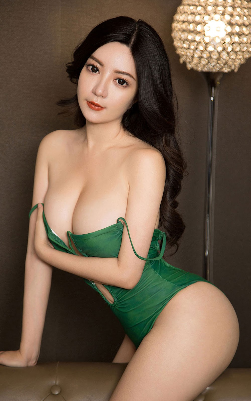 Tìm kiếm từ khóa: nude