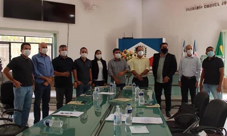 Prefeito de Ituaçu participa de reunião para criação do Consórcio da Chapada Diamantina Sul