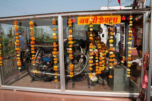 ओम बन्ना मंदिर, पाली। Om Banna Temple, Pali, Rajasthan