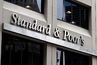 Lembaga pemeringkat internasional Standard & Poor's (S&P) menaikkan peringkat utang Indonesia menjadi BBB dengan prospek stabil.