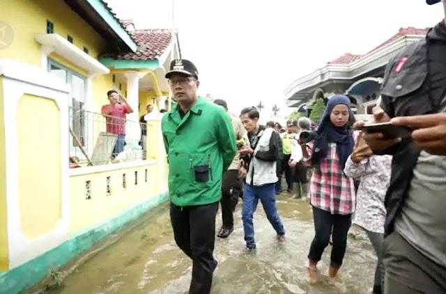 Korban Tewas Akibat Banjir Terbanyak di Jabar, Kok Ridwan Kamil Nggak Dibully?