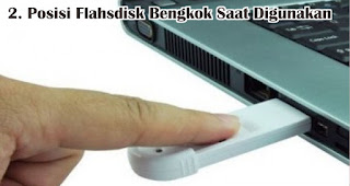 Posisi Flahsdisk Bengkok Saat Digunakan merupakan salah satu ciri flashdisk palsu