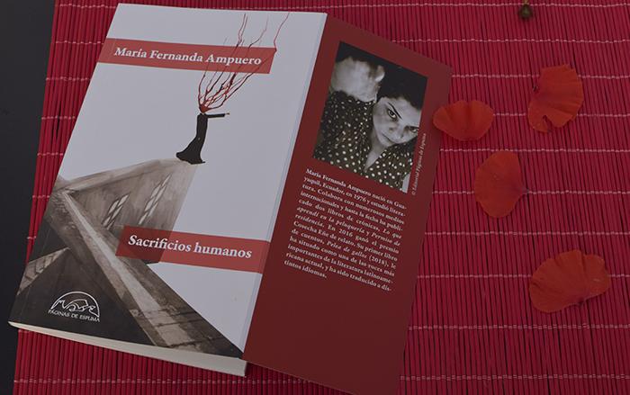 «Sacrificios humanos», relatos de violencia. Por María Fernanda Ampuero (Páginas de Espuma)
