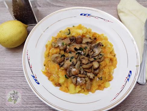 Revuelto vegano de patata con vegetales