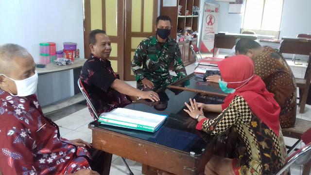 Masih Suasana Lebaran Babinsa Koramil 23/Ceper Silahturahmi Dengan Perangkat Desa