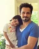 इमरान हाशमी अपने बेटे के साथ