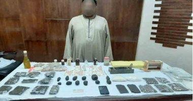 القبض على متهم بتصنيع المواد المخدرة وترويجها فى الجيزة قبل العيد