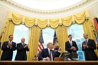 Emiratos, Israel y Bahrein firmaron un histórico acuerdo en la Casa Blanca, en un show electoral para Trump