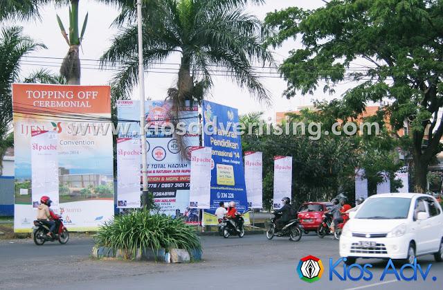 Jasa Pemasangan Street Banner Malang