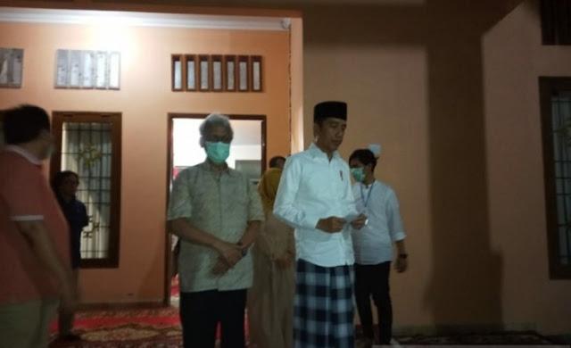 Ibunda Presiden Jokowi Meninggal Karena Kanker